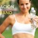 Imagen mujer hidratándose quiropráctico Barcelona